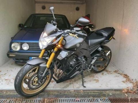 Yamaha FZ8 schwarz/gold